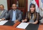 Dra. Mirna Font-Frias, firma convenio