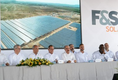 inauguración-parque-fotovoltaico-1024x550