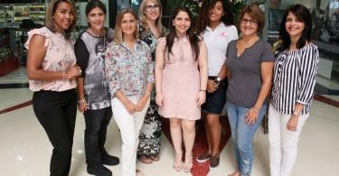 01.- Principal.- Gissel Diaz, Luz Maria Delgado, Candelaria Oliva, Thania Espin, Perla Ciccone, Cristal Mejia, Laura Rojas y Carmenchu Estrella