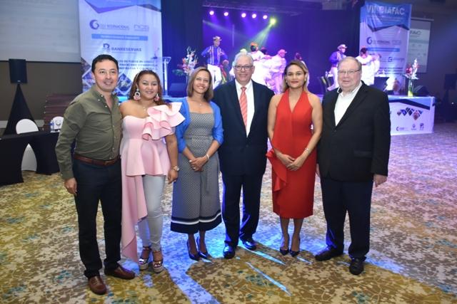 9789 ojo principal.- Juan Pablo Rodríguez Cárdenas, Dicla López, WendyLora, Enrique Cambier, Lillian Báez y Marcos Kerbel