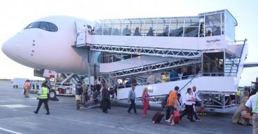 Evelop-Airline-pasajeros-descenso-1