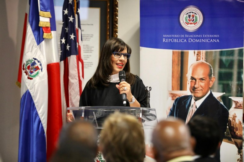 Foto emb. García de Vargas, NY