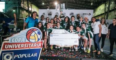 IMG_5670 En la categoría de futbol sala femenino, la Universidad Nacional Pedro Henríquez Ureña (UNPHU) resultó la ganadora del primer lugar