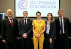 01.- Principal.- Bernard Hugeux, Jean Christophe Roda, Daphne Latour, Ingrid Dietrich y Nicolas Borga