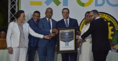 Reconocimiento-Ministro-Francisco-Javier-Garcia-Expo-Bonao-2019-560x320