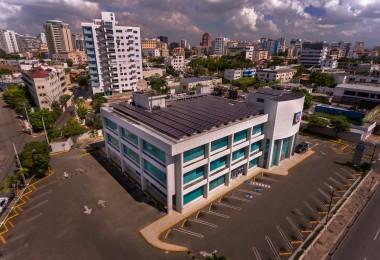 BPD_002 El Popular informó que culminó el año con 54 oficinas y 30 áreas de parqueos techados con paneles solares