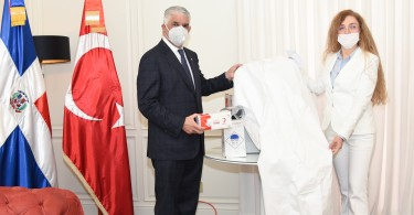 Foto canciller y emb. turca