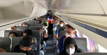 Foto dominicanos repatriados Colombia y Perú,