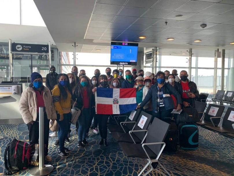 Foto dominicanos regresaron Colombia