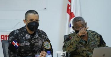 El director general de la PN, mayor general Edward Ramón Sánchez González y el director ejecutivo del Sistema 9-1-1, general de brigada Vicente Mota Medina