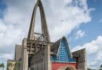 Fotografía del exterior de la basílica de Higüey.